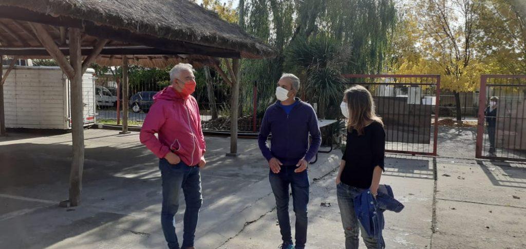 La Ministra de Desarrollo Fernanda Raverta, junto a Marcelo Chelo Ballestero, Presidente de la Asociación Civil Pantalon Cortito y Héctor Ortiz, Fundador de la institución.