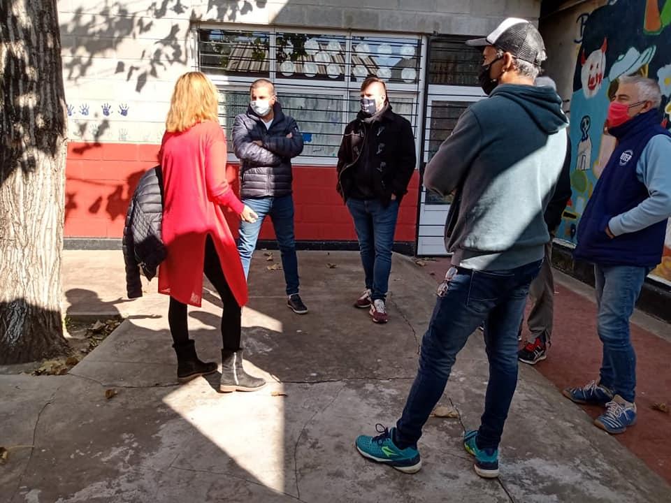 Acompañamiento ante hecho de violencia Pantalón Cortito - Una situación tensa se vivió el pasado miércoles, en el centro de salud Tekó Porá, cuando un sujeto muy nervioso y verborrágico, insultó y amenazó a trabajadoras del lugar.