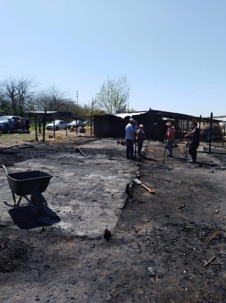 Solicitan ayuda, ante el incendio de casillas en Los Hornos