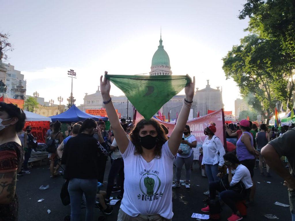 Pañuelazo verde por el Aborto Legal, Seguro y Gratuito