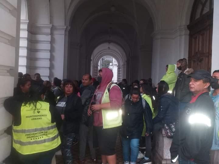 Continúa la lucha de trabajadores cooperativistas en la Municipalidad