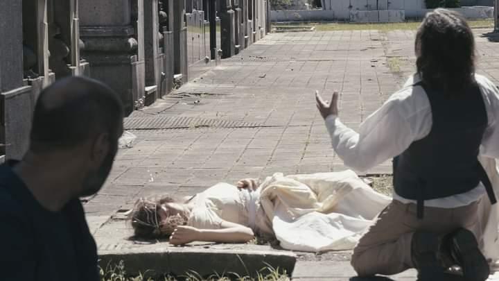 """""""Pequeño Gran Muerto"""" levanta el telón en el Cementerio de La Plata"""