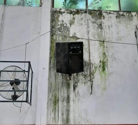 Escuela N°10: Padres exigen mejores condiciones edilicias