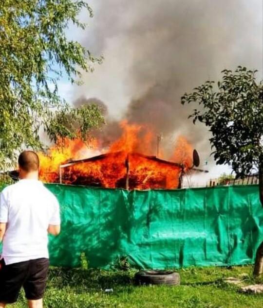 Abasto: Una madre y sus hijxs perdieron todo en un incendio