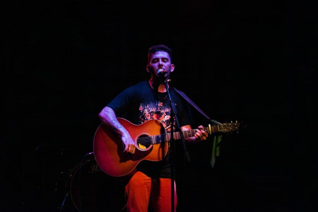 """Diego Ocampo: """"sentí la necesidad de ponerme a escribir canciones"""""""